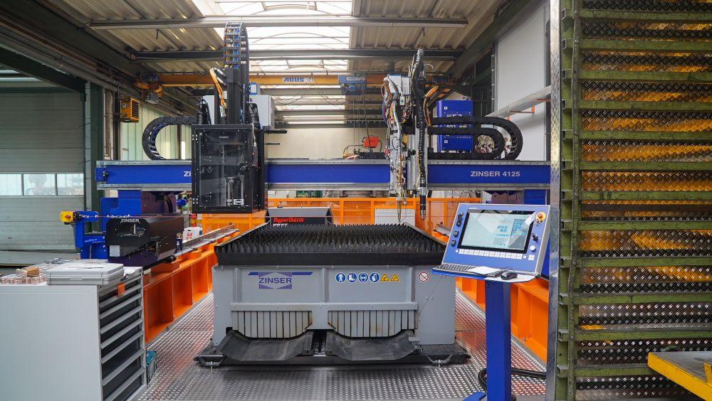ZINSER CNC-Schneidsystem für ASSMANN